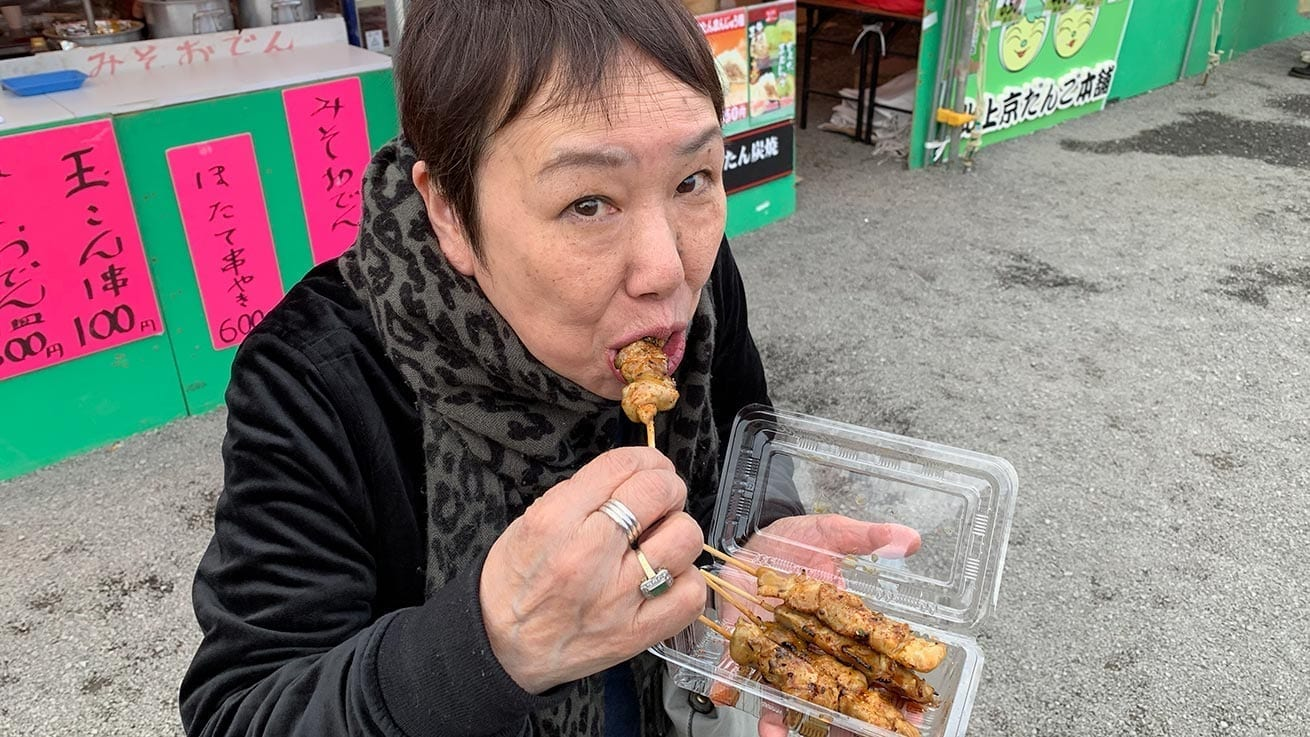 cokoguri - Eating Yakitori