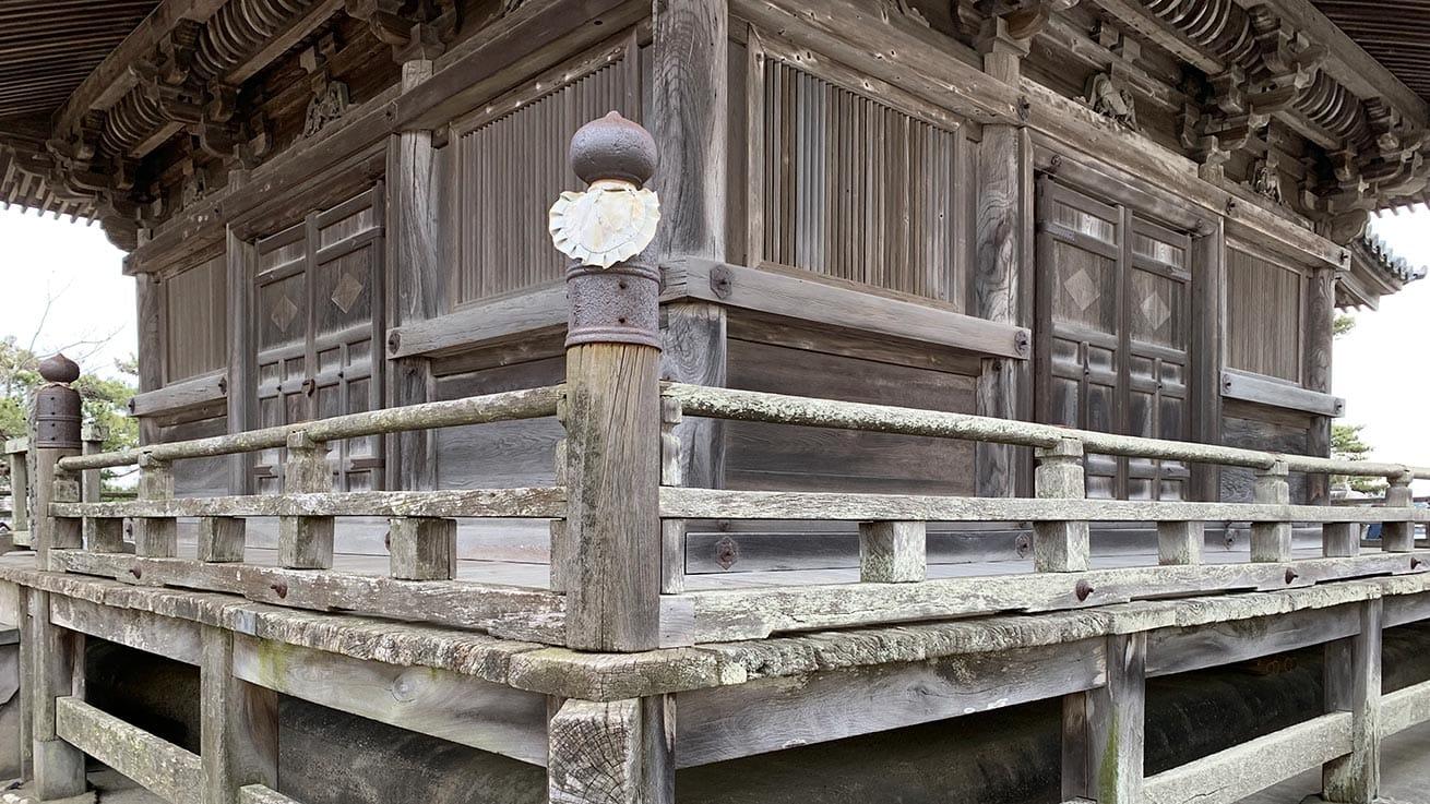 cokoguri - Godaido Temple Exterior