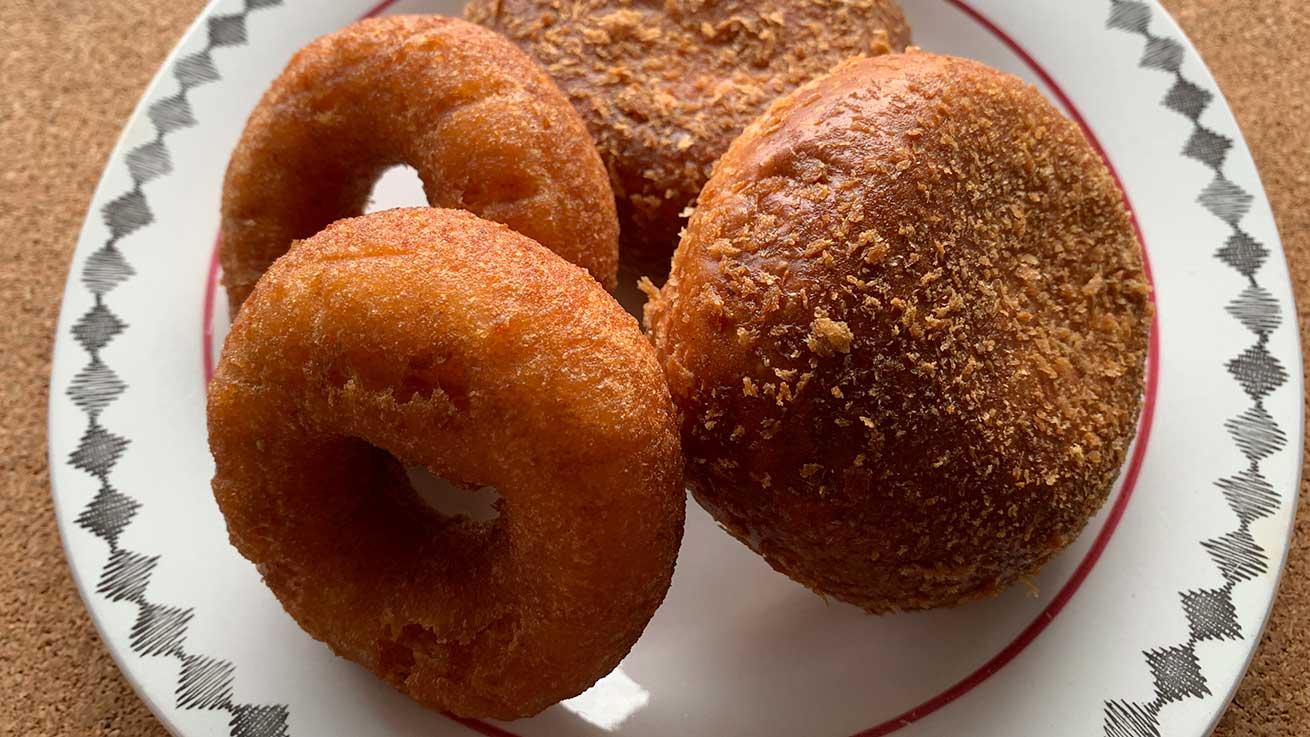 cokoguri - Zaotop Tofu Donuts and Curry Pan