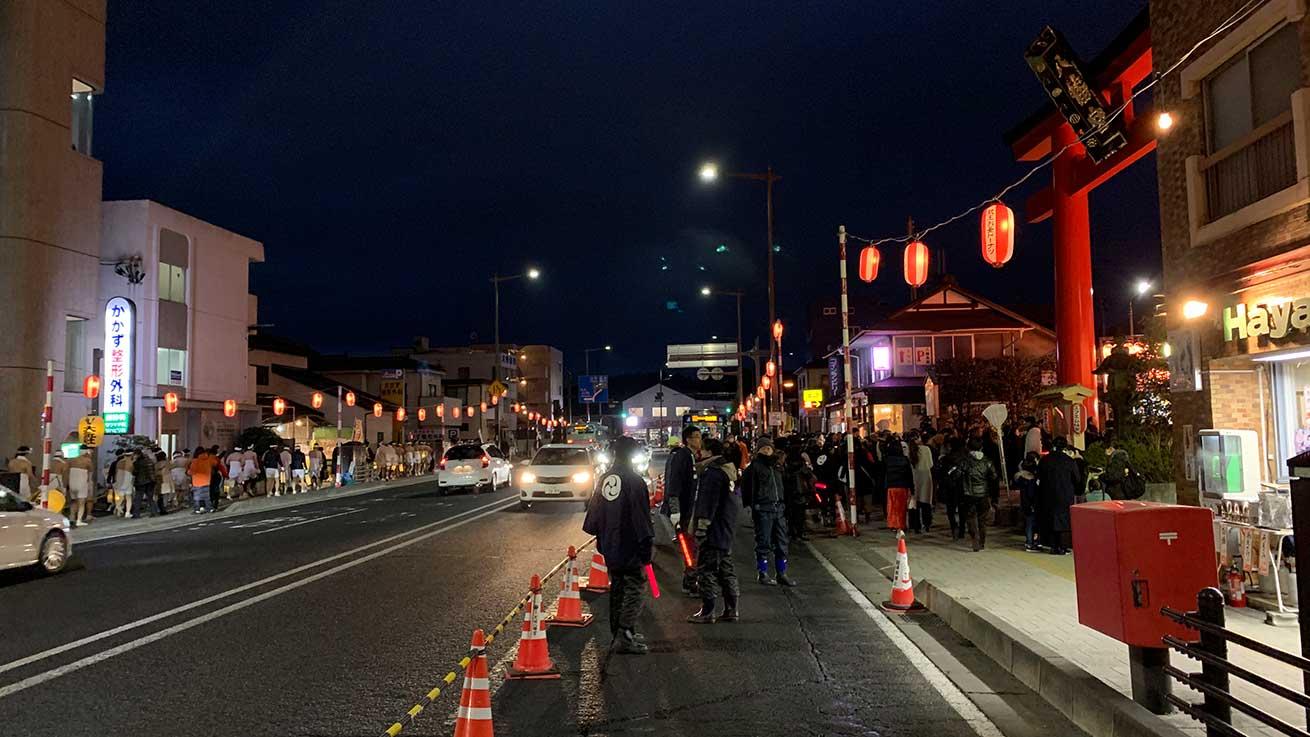 cokoguri - Arriving at Osaki Hachimangu Dontosai Festival