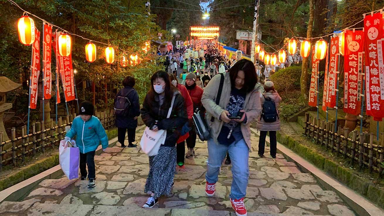cokoguri - Dontosai Festival Crowds