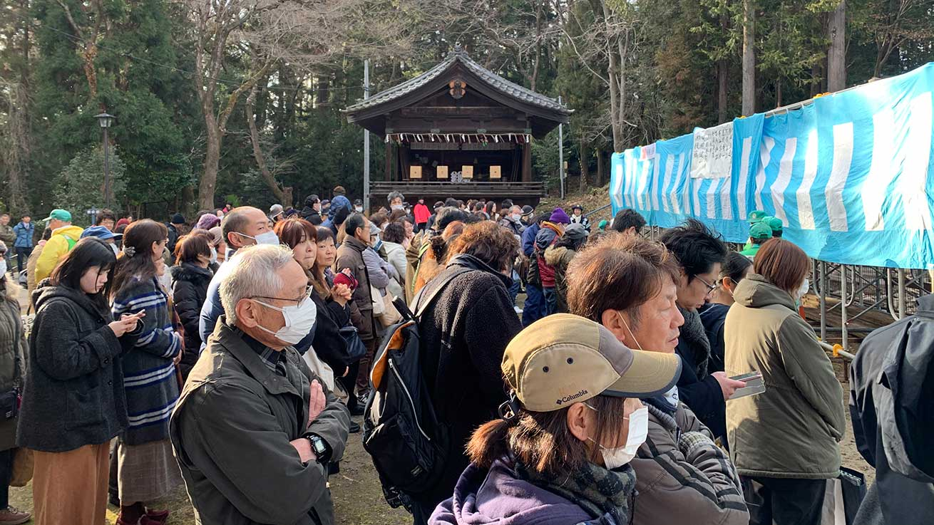 cokoguri - Gathering Crowds at the Setsubun Bean Throwing Festival at Toshogu Shrine