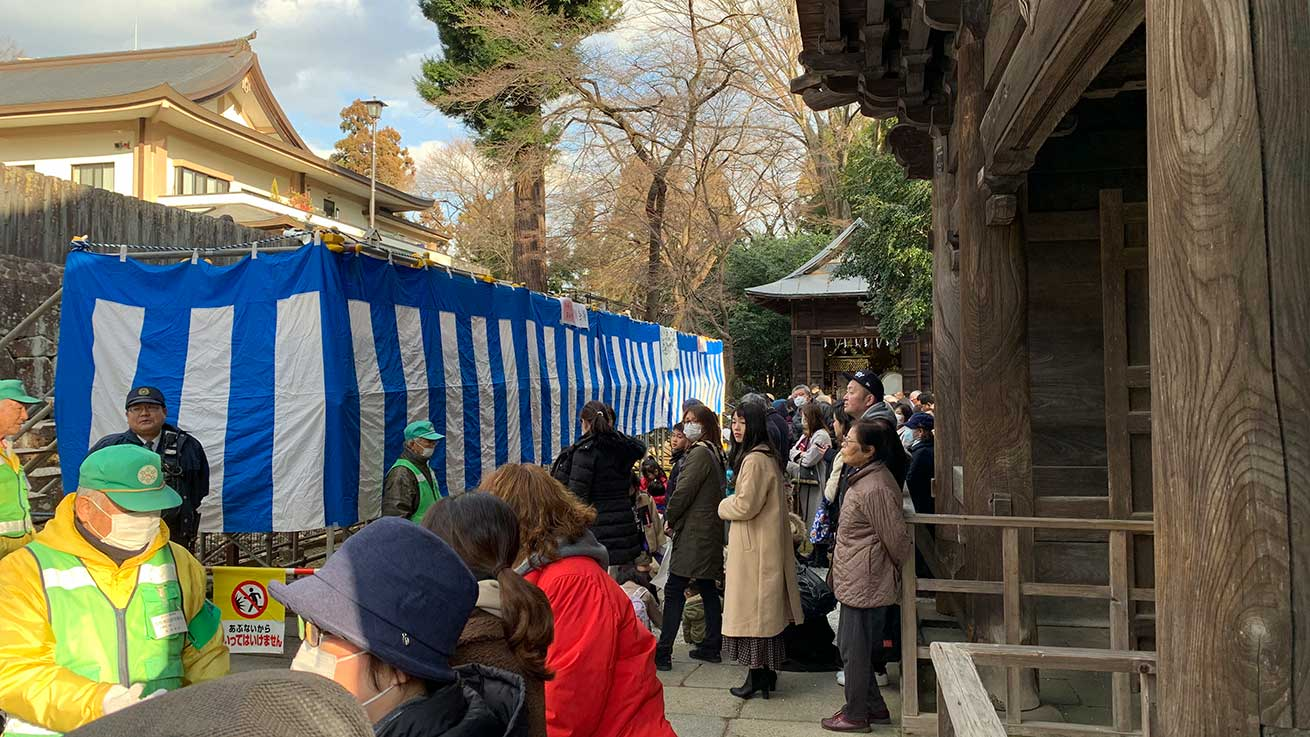 cokoguri - Setsubun Crowds Waiting at Toshogu Shrine